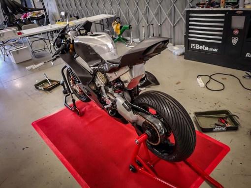 Ducati-Panigale-V4-RS19-Eugene-Laverty-Jerez-Steve-English-11