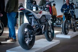 Huge-Design-Zero-FX-custom-One-Moto-Show-04
