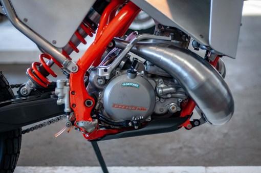 Moto-Mucci-KTM-300-XCW-street-tracker-14