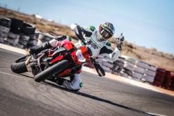Ruben-Xaus-Ducati-Hypermotard-950-slide-04