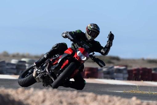 Ruben-Xaus-Ducati-Hypermotard-950-slide-09