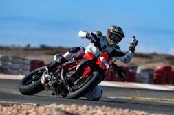 Ruben-Xaus-Ducati-Hypermotard-950-slide-17