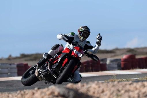 Ruben-Xaus-Ducati-Hypermotard-950-slide-22
