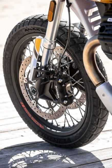 Moto-Guzzi-V85-TT-Sardinia-static-30