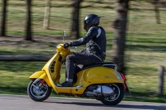 Vespa-GTS-300-Milan-Milagro-10