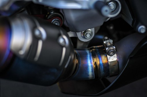 Aprilia-RSV4-1100-Factory-Up-Close-Mugello-08