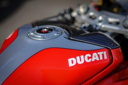 Nicky-Hayden-Ducati-Panigale-V4-tribute-03