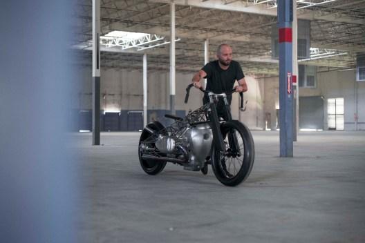Revival-Cycles-BMW-R1800-custom-63