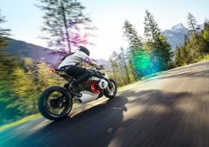 BMW-Motorrad-Vision-DC-Roadster-concept-02