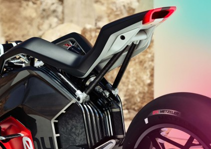 BMW-Motorrad-Vision-DC-Roadster-concept-11