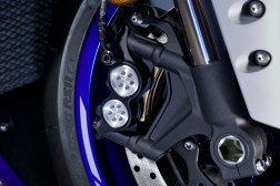 2020-Yamaha-YZF-R1-12