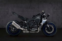 2020-Yamaha-YZF-R1-20