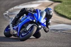 2020-Yamaha-YZF-R1-30
