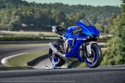 2020-Yamaha-YZF-R1-46