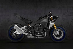 2020-Yamaha-YZF-R1M-13