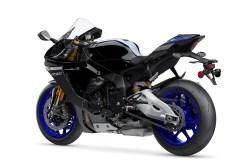 2020-Yamaha-YZF-R1M-17