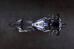 2020-Yamaha-YZF-R1M-18