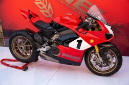 Ducati-Panigale-V4-25th-Anniversary-916-up-close-Andrew-Kohn-31