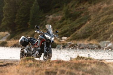 2020-Ducati-Multistrada-1260-Grand-Tour-11