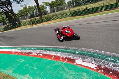 2020-Ducati-Panigale-V2-04