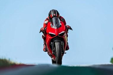 2020-Ducati-Panigale-V2-16
