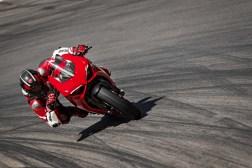 2020-Ducati-Panigale-V2-33