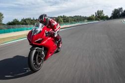 2020-Ducati-Panigale-V2-40