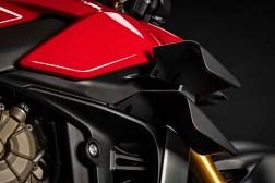 2020-Ducati-Streetfighter-V4-18