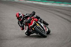 2020-Ducati-Streetfighter-V4-35