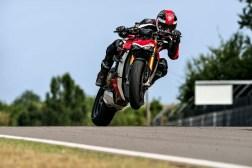 2020-Ducati-Streetfighter-V4-40