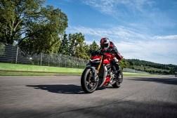 2020-Ducati-Streetfighter-V4-46