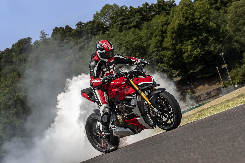 2020-Ducati-Streetfighter-V4-57.jpg?ssl=