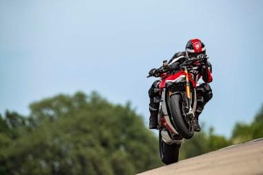 2020-Ducati-Streetfighter-V4-65