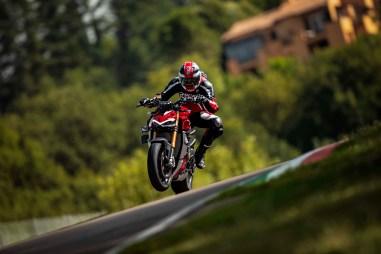 2020-Ducati-Streetfighter-V4-66
