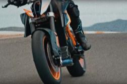 2020-KTM-1290-Super-Duke-R-prototype-06