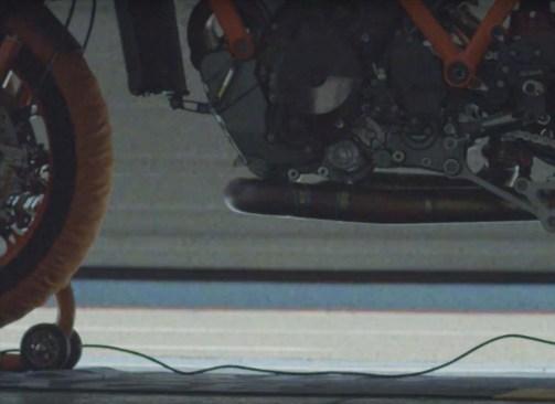 2020-KTM-1290-Super-Duke-R-teaser-video-02