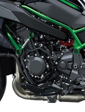 2020-Kawasaki-Z-H2-18