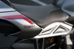2020-Triumph-Street-Triple-RS-08