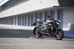 2020-Triumph-Street-Triple-RS-11