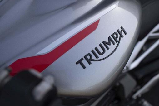 2020-Triumph-Street-Triple-RS-18