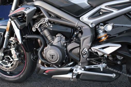 2020-Triumph-Street-Triple-RS-27