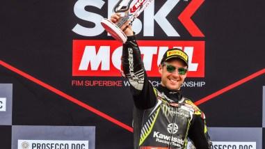 Jonathan-Rea-2019-WorldSBK-Champion-75