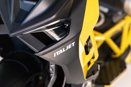 2019-Italjet-Dragster-scooter-02
