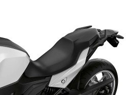 2020-BMW-F900XR-56