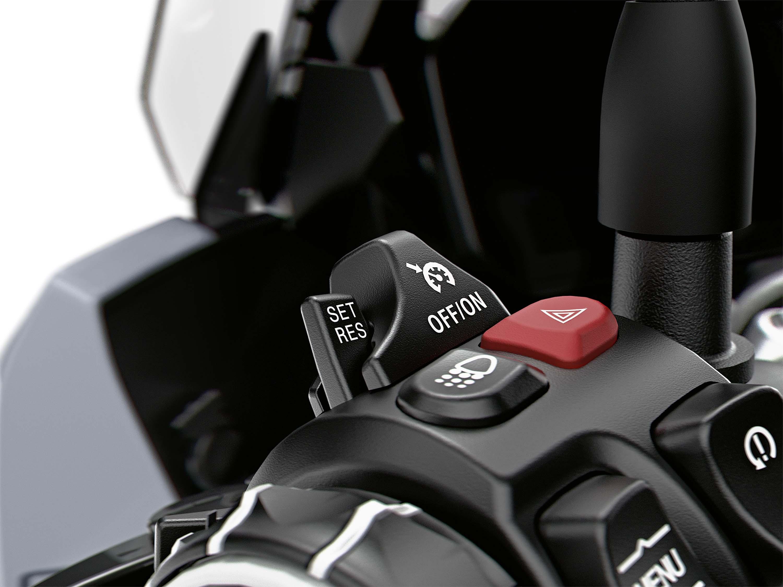 2020-BMW-S1000XR-02