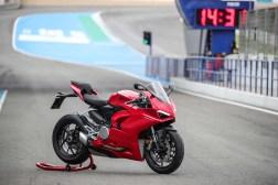 2020-Ducati-Panigale-V2-Jerez-launch-34