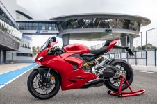 2020-Ducati-Panigale-V2-Jerez-launch-47