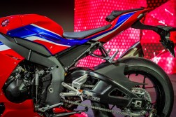 2020-Honda-CBR1000RR-R-08