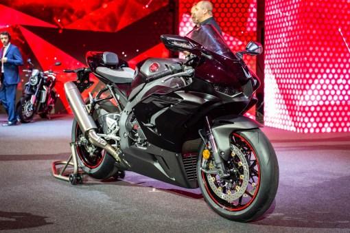 2020-Honda-CBR1000RR-R-09