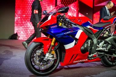 2020-Honda-CBR1000RR-R-10